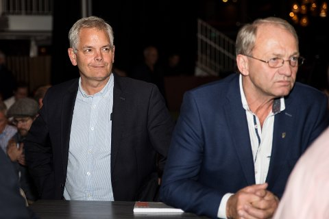 RISTER PÅ HODET: Per Manvik har tidligere uttalt at det nye samarbeidet er helt utrolig, mens BedreLarviks Erik A. Sørensen ikke stoler på at koalisjonen holder fram til kommunestyretmøtet i oktober.