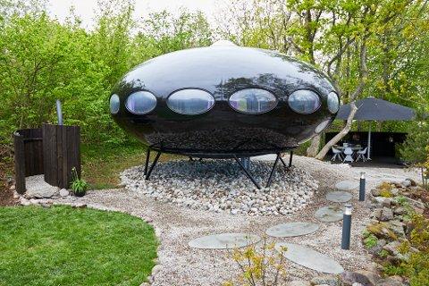 UFO-HYTTA: Hva har skjedd med den kjente ufo-hytta i Nevlunghavn? Det får du se i Eventyrlig oppussing på TV3 på torsdag.