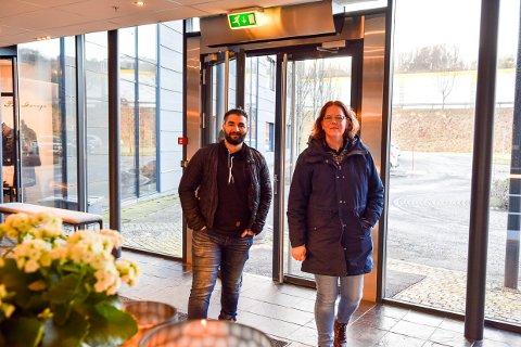 PLAN: Både Belal Alkalfeh (26) og Åshild Sørby (37) har jobber å gå til i Larvik etter vekterutdanningen hos SOS Academy.