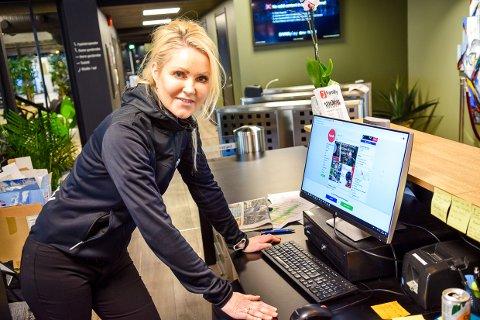 INFORMASJON: Mona Bjørvik Tveter, senterleder Family Sports Club Langestrand, prioriterer informasjon og kommunikasjon i disse dager. Det gjelder å holde på medlemmene for å overleve.