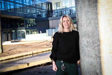 BLE HEDRET: – Godt arbeidsmiljø er en viktig faktor for å lykkes, sier Eva Helling-Nilsen, som nylig ble kåret til årets selger i Chioce-kjeden.