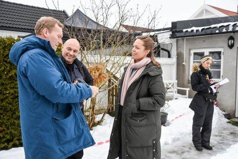 INNSPILLING: Sven Nordin, regissør Trygve Allister Diesen, skuespiller Ingri Enger Damon og setrekvisitør Bhare Kesmaei (arkivfoto).