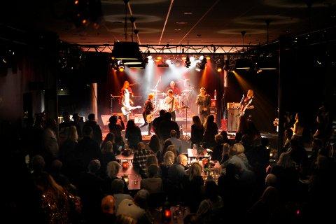 «Lick 'Em By Smiling» under fjorårets konsert på Sanden.