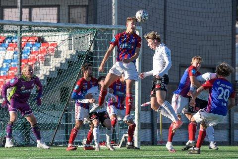 Overbeviste: Nanset-gutten Jørgen Fjeldskår (fyller 18 i desember) spilte en svært god kamp som prøvespiller da Fram tok imot Odd 2 i PostNord Cup i Framparken søndag ettermiddag.
