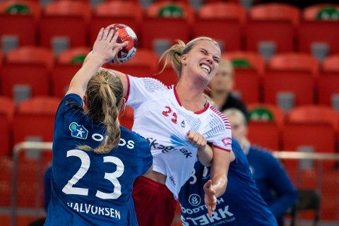 HOLDT IKKE: Hanna Åhlén (bildet) og Larvik HK tapte bunnoppgjøret mot Oppsal og står fortsatt uten poeng i serien.