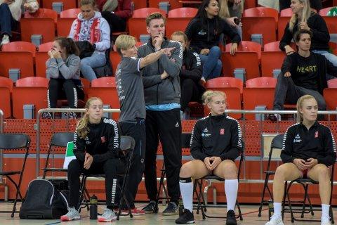 Tøff kamp venter: Are Ruud og Lene Rantala bør ha en god kampplan dersom det skal bli poeng mot Sola og Camilla Herrem på bortebane søndag ettermiddag.