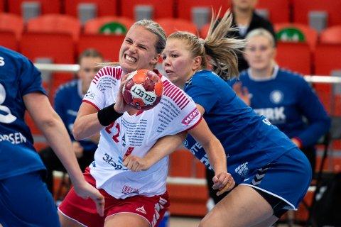 STOPP IGJEN: Hanna Christina Åhlén og LHK hadde gledet seg til kamp i Arena søndag. Nå blir det tidligst toppseriekamper i mars.