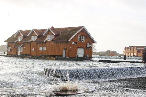 Slik så det ut i Stavern i februar. Lørdag kveld og søndag morgen er det meldt høy vannstand igjen.