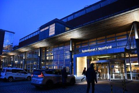 KORONASMITTE: En person er innlagt på Sykehuset i Vestfold.
