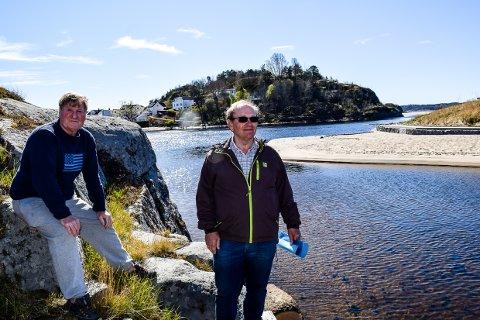 HÅPLØST: Kasserer Sten Sandahl og leder Henning Thorsen i Nedre Lågen båthavn synes situasjonen virker håpløs.