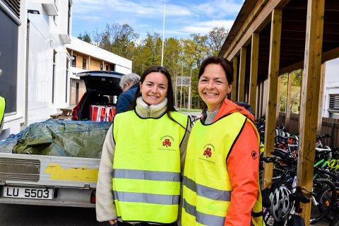HJELPER TIL: Ida Reffhaug Andersen (19) og Elisabeth Reffhaug (50) er mor og datter som har funnet en forening der de kan hjelpe andre.