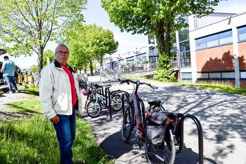 UNDERLIG: Svend Reidar Soelberg synes det er underlig at man ikke har gode nok sikkerhetsløsninger for dyre sykler når man vil at folk skal sykle mer.