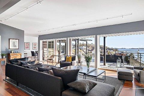 NY EIER: Nå er det en ny familie som skal kunne nyte denne utsikten til en verdi av 17,5 millioner kroner. Den arkitekttegnede eneboligen ligger på Rekkevik Brygge.