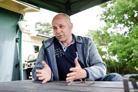 FORNØYD: Brynjar Løkke fra Larvik er styreleder ved serveringsstedet i Sandefjord.