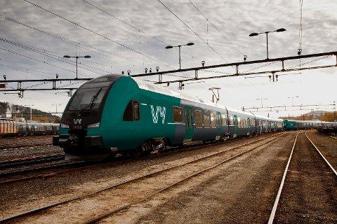STOPPER I DRAMMEN: Skal du ta toget nordover i sommer bør du beregne ekstra god tid.