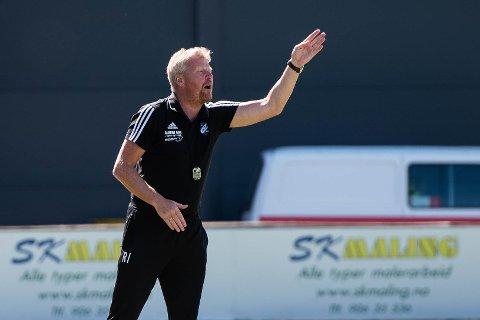 RETT MANN?: Roger Iversen har ledet Fram til åtte tap på ti kamper, men har likevel full tillit i klubben.