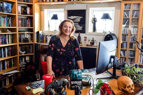 I GANG IGJEN: Hjulene begynner så smått å rulle igjen for Forlagshuset i Vestfold og forlagssjef Myriam H Bjerkli.