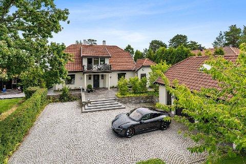 SPESIELL: Kløfta 8 er en helt spesiell eiendom som trolig vil sette salgsrekord for en privatbolig i Stavern. Det er Thore Liverød som nå selger.