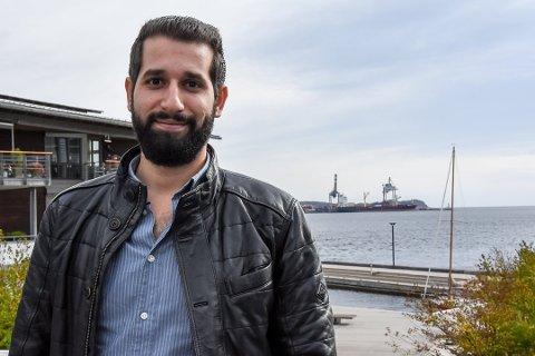 SATSET PÅ TURISME: Dette bildet er fra da Mazen Alabtah startet reisebyrået. Han fortalte at han var glad i Norge, og at han ville dele opplevelsen av det vakre landet med flere. Nå er reisebyrået konkurs.