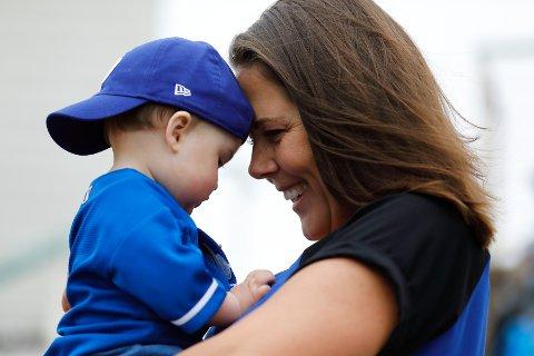NYTT ÅR: Jeg har trua. Trua på oss, trua på verden og trua på at dette klarer vi, skriver Lene Westgaard-Halle. Her avbildet med datteren sin.