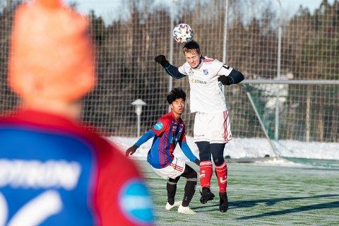 Frams nye midstopper Sander Grelland og lagkameratene har foreløpig kun spilt internkamper. Det blir det også fram til 7. februar.