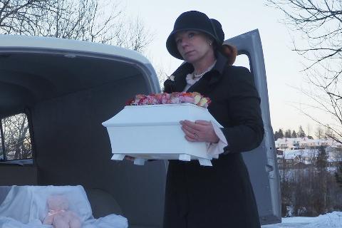 BARNEBEGRAVELSESBYRÅ: Jannike Mittet er gravferdskonsulent og har startet sitt eget barnebegravelsesbyrå.
