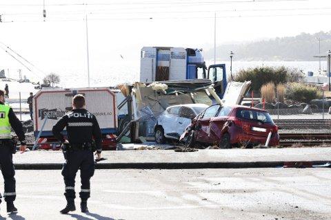 SKREMMENDE: Å se lastebilen, med henger og last, brase ned Romberggata, var skremmende for sjåføren. Nå forteller han hva som skjedde ulykkesdagen.