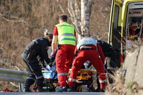 MISTET KONTROLL: Motorsyklisten krasjet i autovernet og falt deretter ut i grøfta.