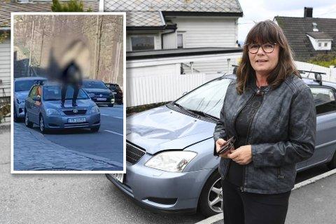 En mann gikk fullstendig amok og trampet på panseret på denne Toyotaen som sto parkert i Sandviken.
