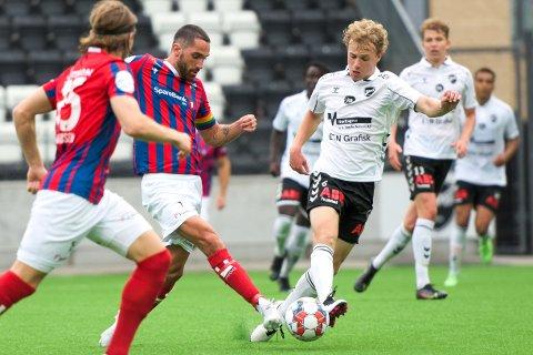 Poengdeling: Erik Nordengen og Fram Larvik spilte uavgjort 2-2 mot Dennis Gjengaar og Odd 2 på Skagerak Arena mandag kveld. Nordengen, som ga Fram 1-0 på et straffespark, var skuffet over resultatet.