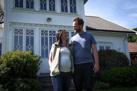 MODIGE: Ekteparet Heidi og Lars Steffensen tok sats og kjøpte en gård i Brunlanes fra en leilighet i Melbourne. Det har de ikke angret på.