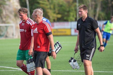 NYTT TAP: Henrik Bach Røsholt (t.v.), assistenttrener André Syrrist og hovedtrener Fredrik Purser måtte reise hjem poengløse fra Porsgrunn mandag kveld.