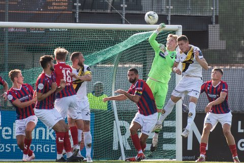 Nytt bortetap: Fram-keeper Petter Hagen sto en god kamp mot Nardo på fremmed gress onsdag kveld. Han kunne imidlertid ikke forhindre at det ble et 0-2-tap for hjemmesterke trøndere.