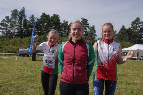 BYGGER HVERANDRE: Maren Sofie Fremstad (til venstre), Larvik OK, Annika van Raaij, Hedrum, og Pernille Zagar, Larvik OK, trener mye sammen og gjøre dyktigere og dyktigere.  FOTO: ERIK BORG