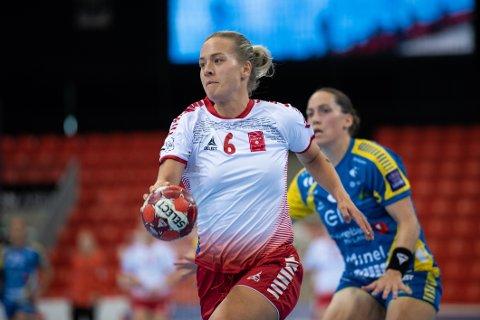God kamp: Emma Skinnehaugen ble kåret til Larviks beste spiller mot hennes tidligere lagvenninner i Storhamar. Hun måtte imidlertid innse at Hamar-jentene ble litt for sterke onsdag kveld.