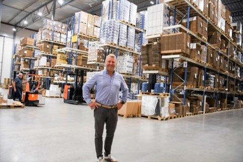 STOLT: De få ansatte som visste om det hemmelige lageret er svært stolte over å ha fått tildelt jobben, sier daglig leder Rune Johansen i NorEngros Olafsen.
