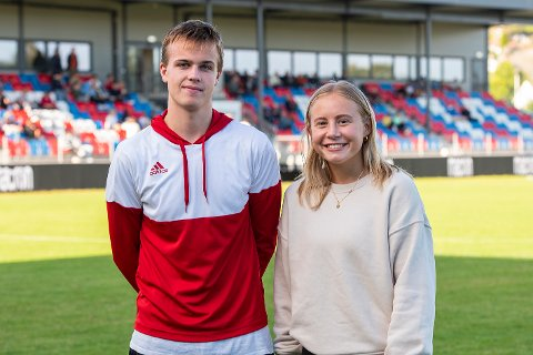 - Gøy og motiverende: Videregående-elevene og fotballspillerne Lucas Svendsen og Marthe Engelstad opplevde både motiverende foredrag og fotballkamp mellom Fram og Norge U19 i Framparken tirsdag ettermiddag.