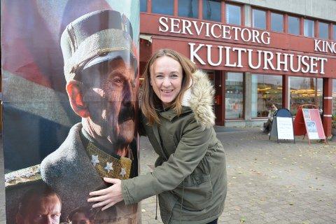 FLERE: Kinosjef Bente Linjordet setter opp ekstraforestillinger av «Kongens nei» og legger samtidig om programplanleggingen for Tynset kino.