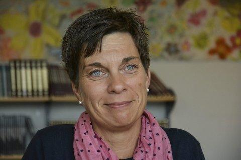 Oppførsel: Rektor Hjørdis Bjølseth ved Elverum ungdomsskole vil ha mer snakk om oppførsel på nett. Foto: Cathrine L. Møystad