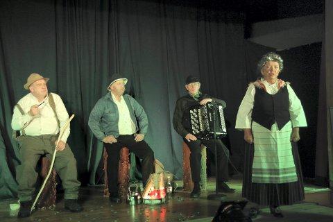 HERLIG GJENG: Fire meget sentrale personer i kabarevyen, fra venstre Rune Grenberg,  Pål Eriksmoen, Øivind Roos og Solveig Granheim.