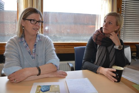 ENGASJERTE: Fra høyre barnevernsleder Linda Granrud og nestleder Marianne Øverhaug som gjerne tar imot besøk.