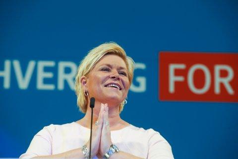 – Oljen skal opp, ikke vekk, proklamerte Frp-leder Siv Jensen under sin tale på partiets landsmøtetale på Gardermoen lørdag. (Foto: Terje Pedersen / NTB scanpix)