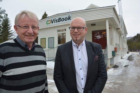 NY EIER: VisBook på Kvikne har fått ny hovedaksjonær i Standout Capital etter at gründer Kåre Mjøen har trukket seg ut av firmaet. Daglig leder Øystein Selbekk, til høyre, ser for seg videre internasjonal vekst som følge av overtakelsen.