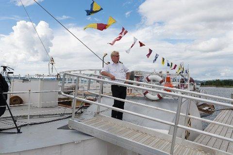 FLOTT: Overstyrmann Hans Knudsen hadde en flott ferd på Mjøsa.