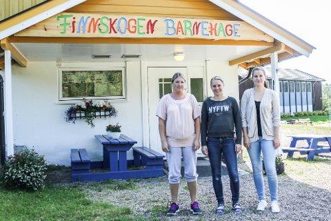 Fornøyde ansatte: Lillian Slaggerud, Jeanette Vermundsberget og Veronika Moen er tre av de seks ansatte i barnehagen.
