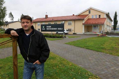 BEKYMRET: – Avdelingene på Flisa og Sønsterud må styrkes, ikke flyttes, sier Åsnes-ordfører Ørjan Bue.