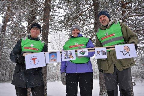 KOMMUNIKASJON: En egen app er laget for å kunne kommunisere med utviklingshemmede om turer og aktiviteter. Fra venstre Asbjørn Skogestad, Lene M. Sætaberget og Eirik Dahl.