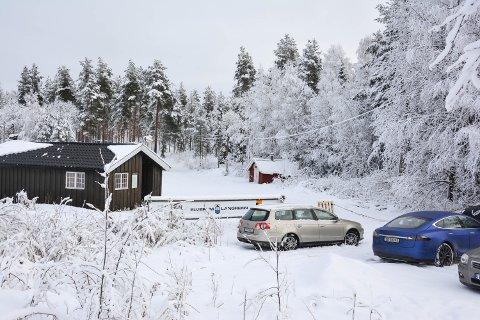 LOKEN: Lysløypa går innover i Svartholtet. I denne skogtraseen kan det en gang i framtida bli gå en samleveg fra Ydalir via Kjerneby, gjennom Svartholtet og hit.
