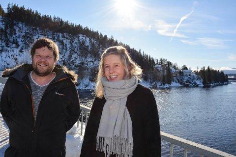 KULTURPLAN: Mari Solbrekken har i ett og halvt år laget kulturminneplan for Åmot. Nå er den ute til høring. Dag Hoffman til venstre.