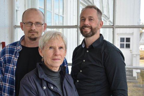 STARTER INNSAMLING: Karl August Lund (til venstre), Solveig Kaalstad, Ole Kristian Bonden og Olav Neerland (ikke tilstede) i støttegruppa for Aref starter innsamling.
